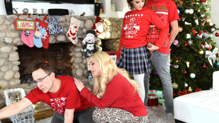 Beauteous sexy naughty stepsister Riley Mae gets a stepsiblings fuck with her stepbrother while staying bored alone together at their house.