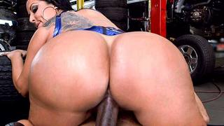 Kiara Mia is in need of a big monster cock. She wants it bad. Lucky for her shes in the right place at the right time. Where else better to find what you want but at the mechanic shop. Kiara walks up to the mechanic and pulls his dick out and blows him. D