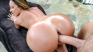 Aww Hell yeah! We managed to pick up one of the finest perfect ass white girls to roam the earth on this episode of PAWG. Jada Stevens is one hot bubble butt cutie, and this vixen joins us for some sleazy outdoor fun. Watch her suck cock and get fucked un